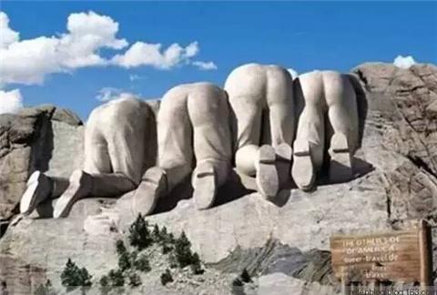 看了美国总统石雕的背面