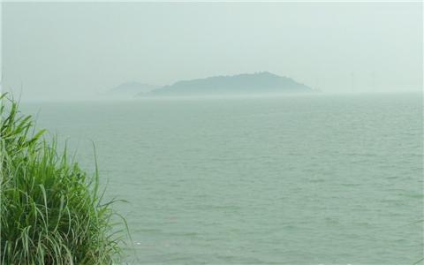 海边风景带铁塔图片