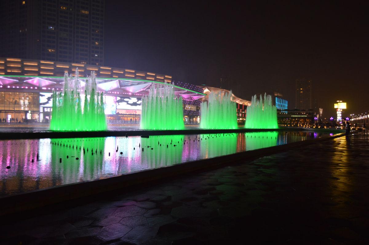 > 11月最新地中海壁画墙绘手绘墙画作品 华发商都   美丽的喷泉夜景