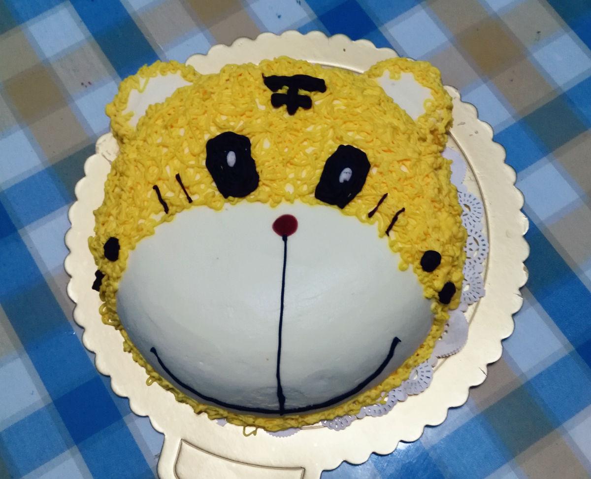 大宝一直吵着要的老虎蛋糕.