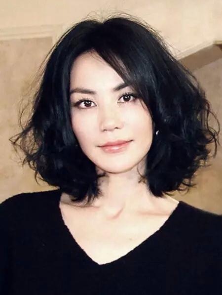46岁的王菲离异两次,有两个可爱的女儿.