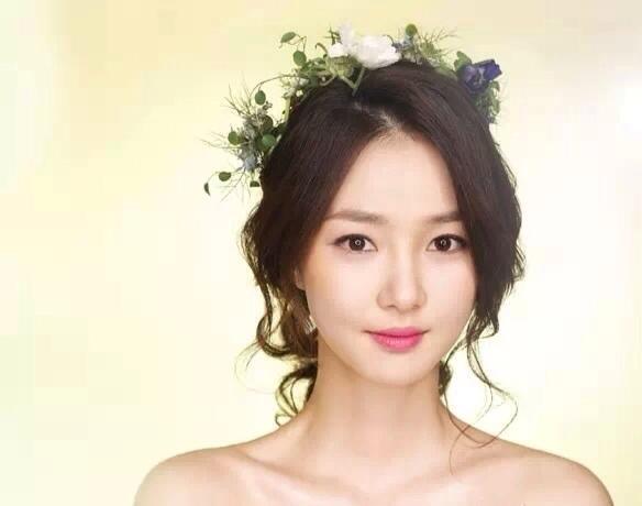 韩式新娘编发发型 圆脸新娘也适合