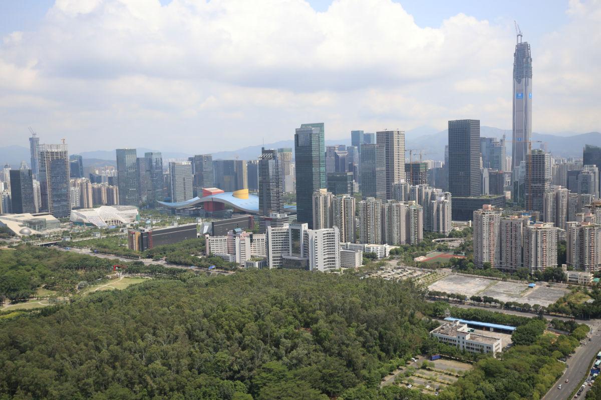 修深圳金融中心塔吊