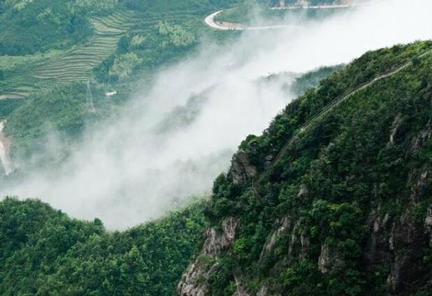 购物 旅游资讯  > (每周六出发)挑战广东第一险峰 金子山天梯 连州
