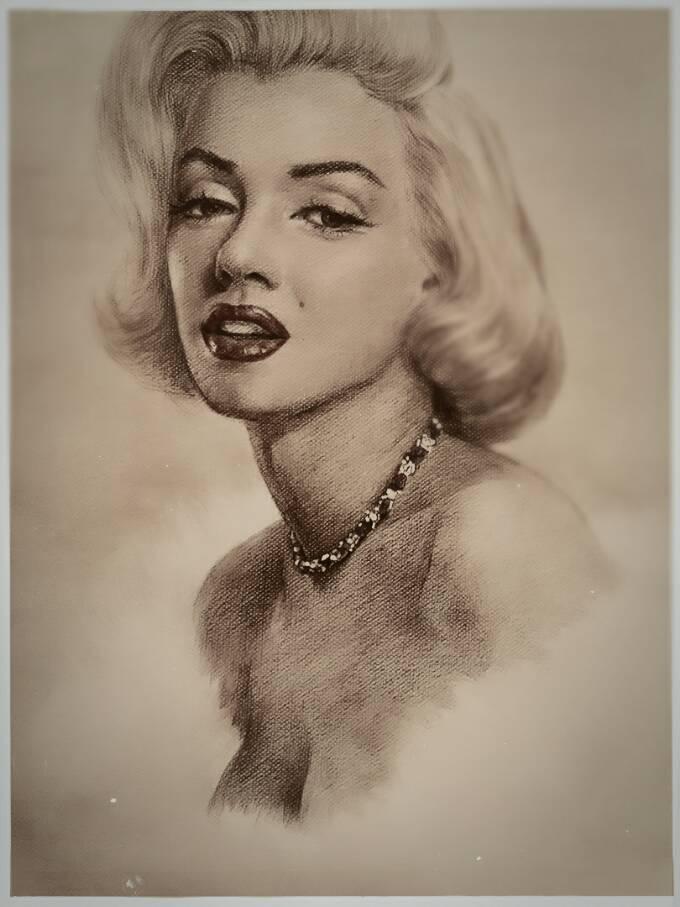 玛丽莲梦露素描手绘图